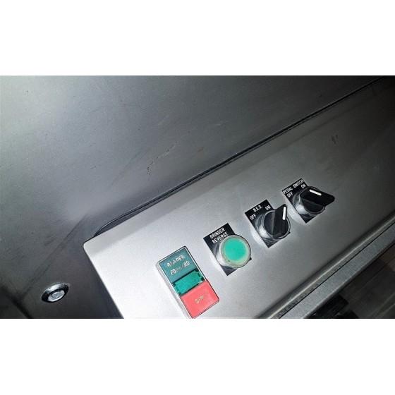 Picadora Wolfking tipo: G 140, con elevador para 200 litros