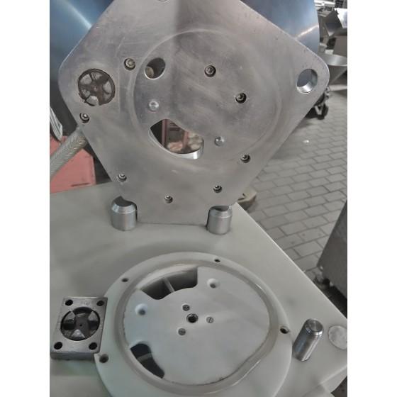 Marmita cocción con volcador manual y agitador interno mediante moto reductor
